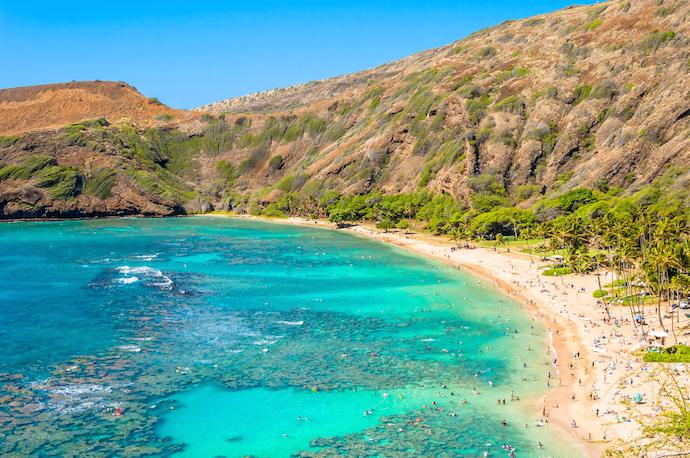 Snorkeling paradise Hanauma bay, Oahu, Hawaii_shutterstock_163781294