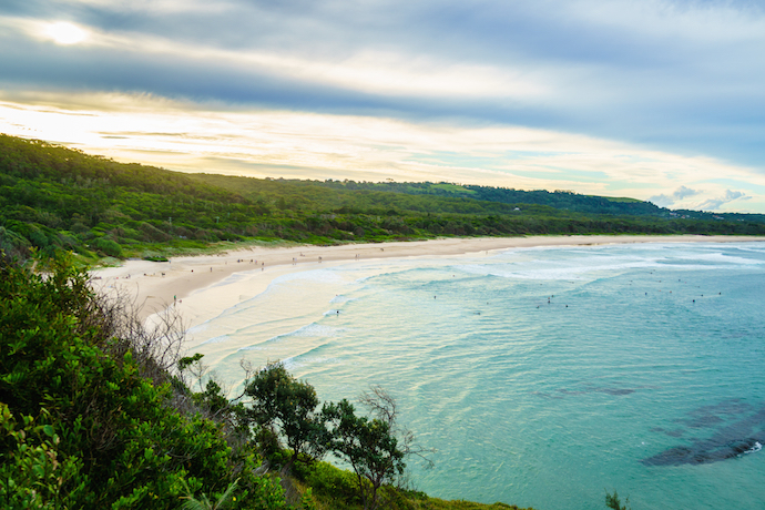 Broken Head beach in the warm late afternoon sunlight. Broken Head beach is near the famous Byron Bay in Australia.shutterstock_287947904