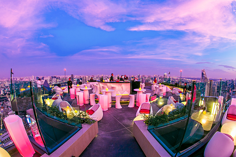 Rooftop bar Red Sky Bar and Cru Rooftop Bar at Centara Grand, Centralworld, Best hotel bars in Bangkok