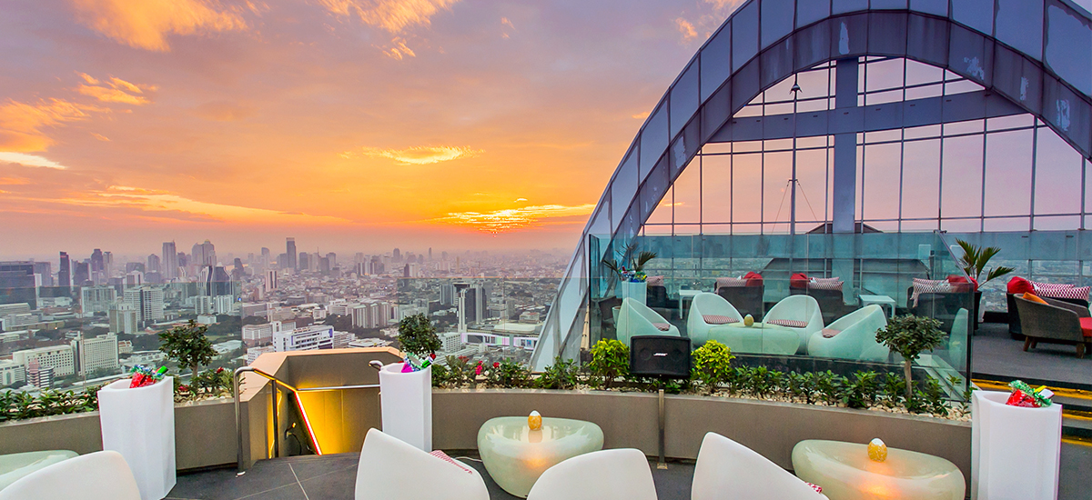 Grab A Refreshing Cocktail At These Gorgeous Hotel Bars in Bangkok