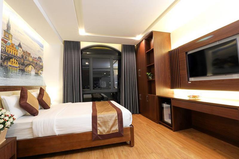 Budget Hotel: Prague Hotel, Ho Chi Minh City, Vietnam