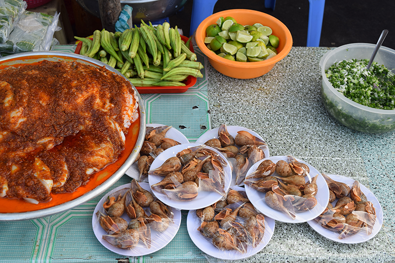 What to eat in Vietnam: street food and vegetables