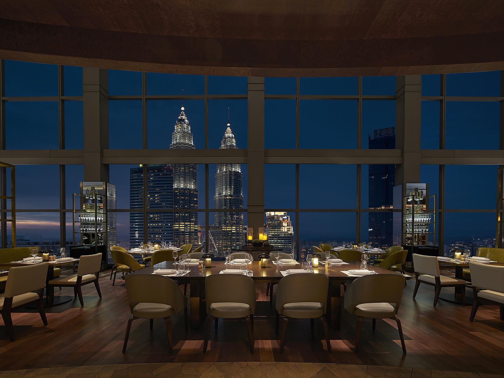 Grand Hyatt Kuala Lumpur dining room view of Petronas Towers