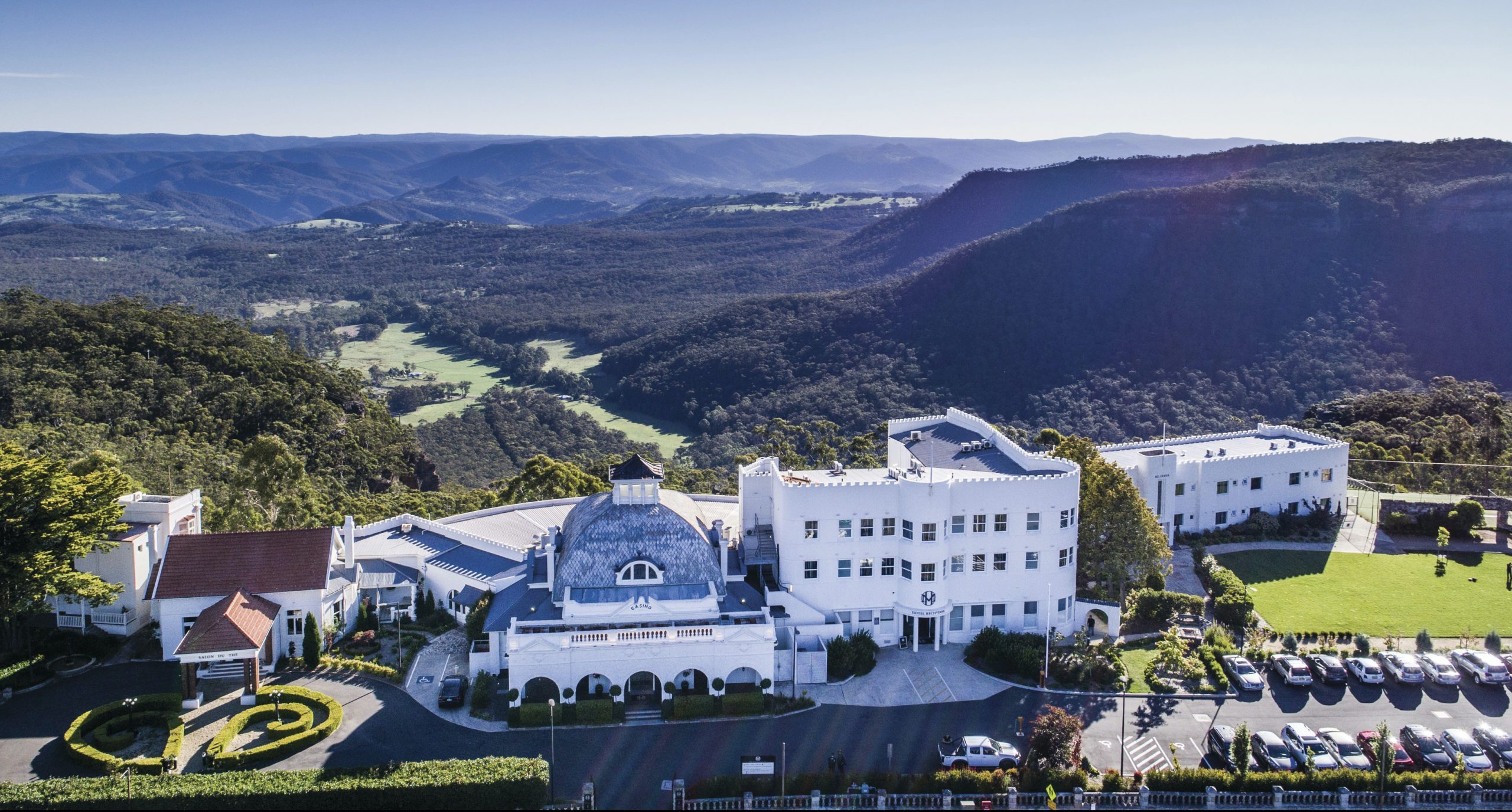 Popular Blue Mountains Accommodation: Luxury Retreats in the Clouds