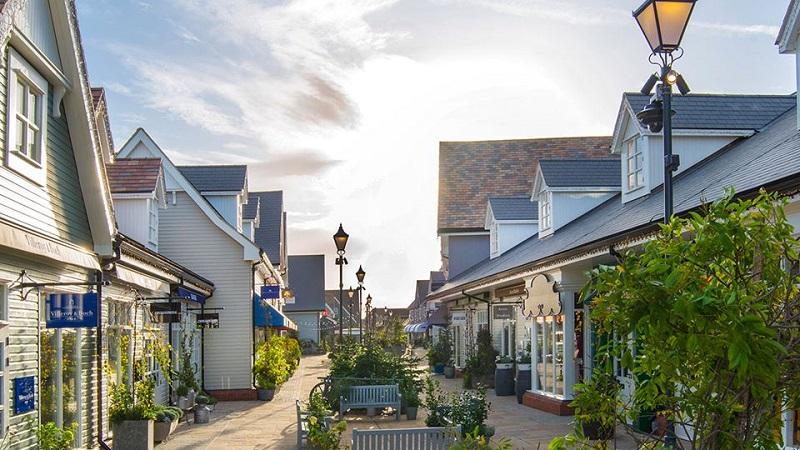 How to travel like a crazy rich Asian - Bicester Village