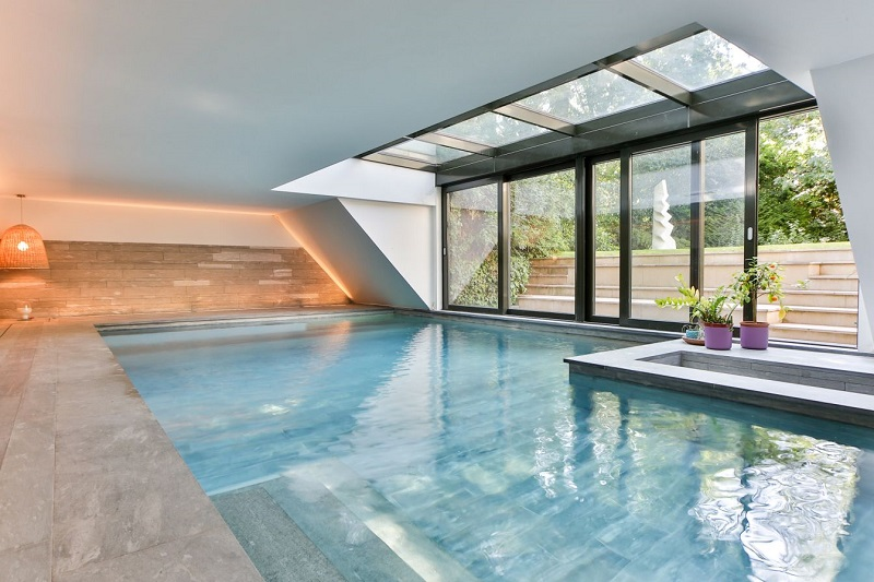 How to travel like a crazy rich Asian - La Residence Paris
