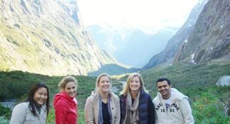 Full-Day Milford Sound and Fiordland National Park Tour including Milford Sound Cruise and BBQ Lunch from Queenstown