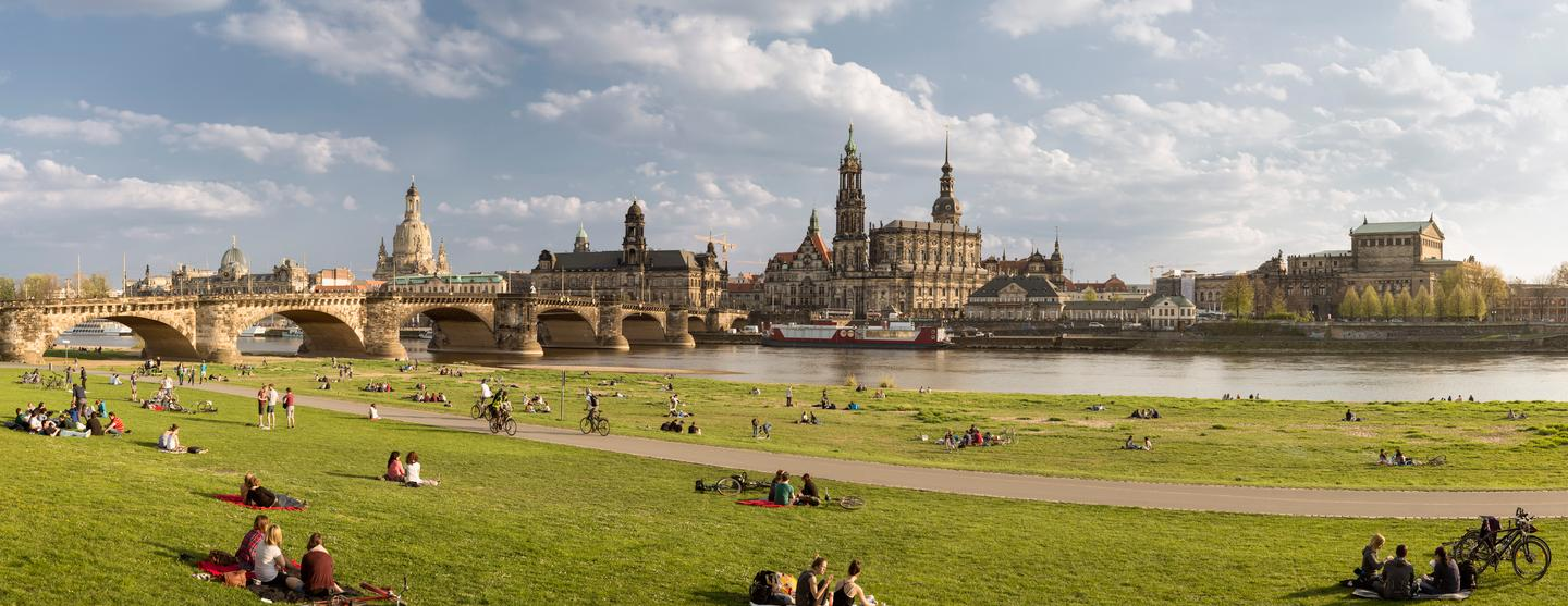 Best design hotels in dresden from 90 night kayak for Designhotel dresden
