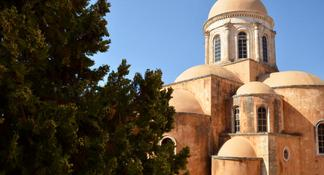 Street Stories of Chania Morning Tour with Samples of Raki and Mezedes