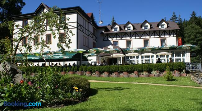 Spa & Wellness Hotel Harmonie - Marianske Lazne - Building