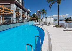 Vibe Hotel Gold Coast - Surfers Paradise - Pool