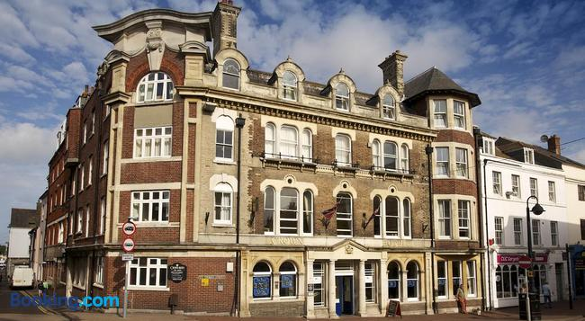 The Crown Hotel - Weymouth - Building