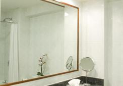 Ashling Hotel Dublin - Dublin - Bathroom