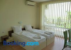 Holiday And Orchid Fort Noks Apartments - Sunny Beach - Bedroom