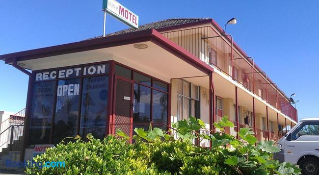 Goolgowi Highway Motel - Goolgowi - Building