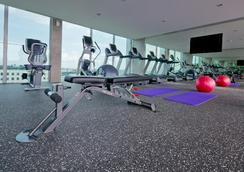 Park Avenue Changi - Singapore - Gym