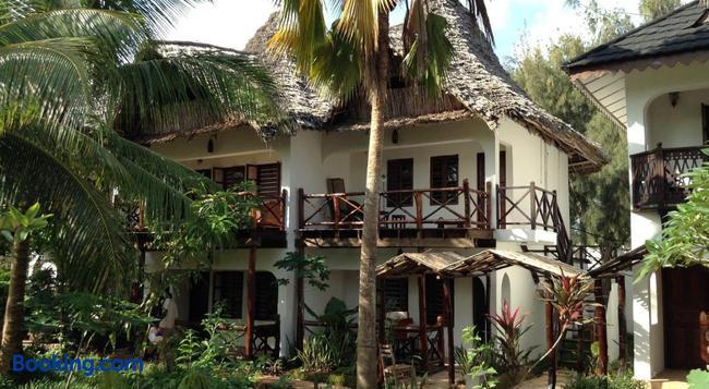 Langi Langi Beach Bungalows - Nungwi - Building