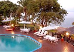 Caribbea Bay Resort - Kariba - Pool