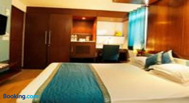Flag House Resort (18 Kms From Shimla) - Shimla - Bedroom