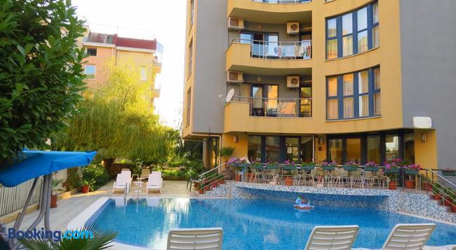 Aparthotel Aquaria - Sunny Beach - Building