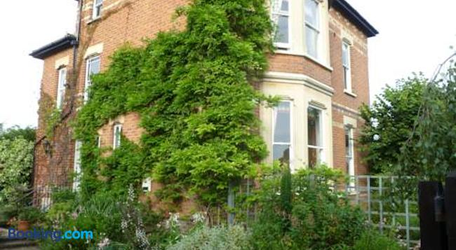 Laurel House Bed And Breakfast - Cheltenham - Building