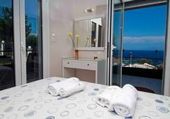 Brentanos Apartments ~ A ~ View Of Paradise - Corfu - Bedroom
