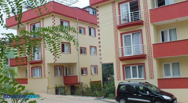 Menekse Apartment - Trabzon - Building