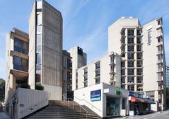 Travelodge London Covent Garden - London - Building
