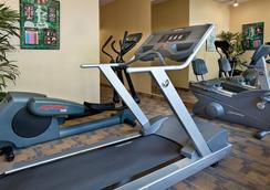 Coast Gateway Hotel - SeaTac - Gym