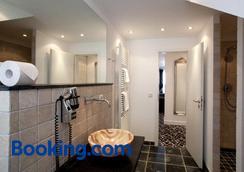 Hotel Aleksandra - Dusseldorf - Bathroom