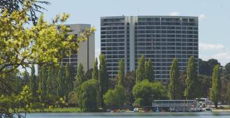 Breakfree Capital Tower - Canberra - Building