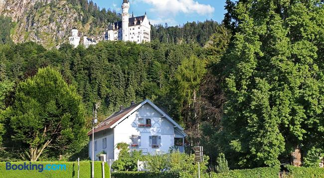 Romantic-Pension Albrecht - Since 1901 - Hohenschwangau - Building
