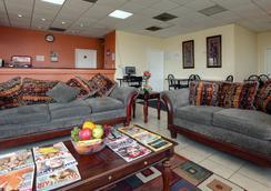 Americas Best Value Inn and Suites - Greenwood - Greenwood - Lobby