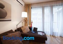 Quality Point Apartments - Budapest - Bedroom
