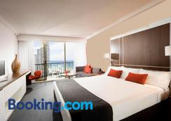 Mantra on View Hotel - Surfers Paradise - Bedroom