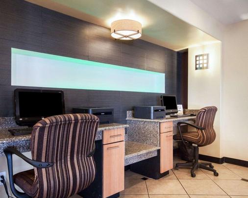 Quality Inn Airport East - El Paso - Business centre
