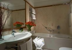 Dei Borgognoni Hotel - Rome - Bathroom