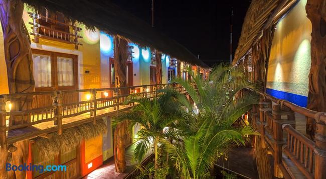 Hotel El Pueblito - Holbox - Building