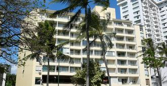 Castle Waikiki Grand Hotel - Honolulu - Building