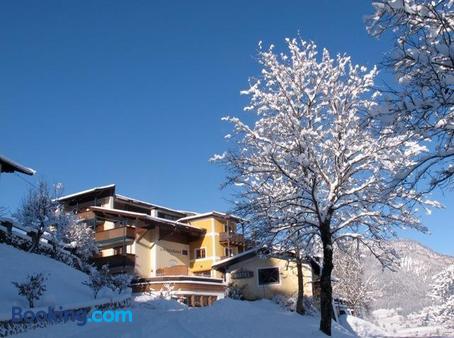 Hotel Gasthof Zur Schonen Aussicht From 119 3 0 0 St Johann
