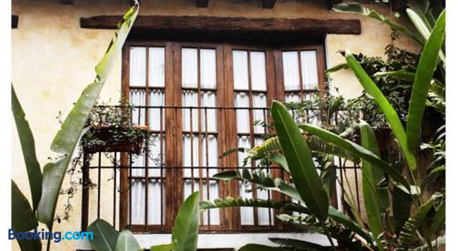 Hotel Meson De Maria - Antigua - Building