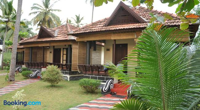 Maadathil Cottages - Varkala - Building