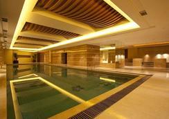 Celebrity City Hotel - Chengdu - Pool