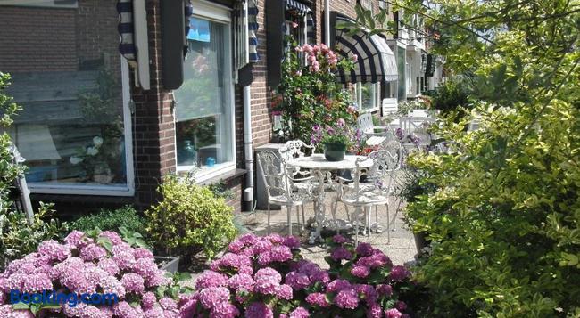 Huize De Weijde Blick - Wijk aan Zee - Building