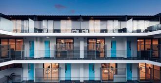 Veriu Camperdown - Sydney - Building