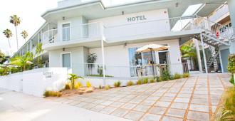 Bayside Hotel - Santa Monica - Building