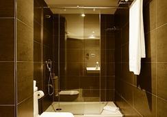 Silken Concordia Hotel - Barcelona - Bathroom