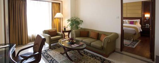 Eros Hotel New Delhi, Nehru Place - New Delhi - Living room