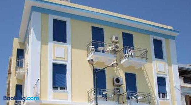 Pelineon Rooms - Chios - Building