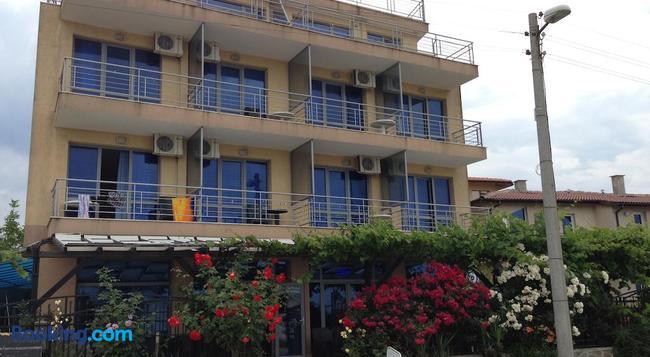 Afrodita Hotel - Sinemorets - Building